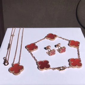 van cleef & arpels jewelrt setting