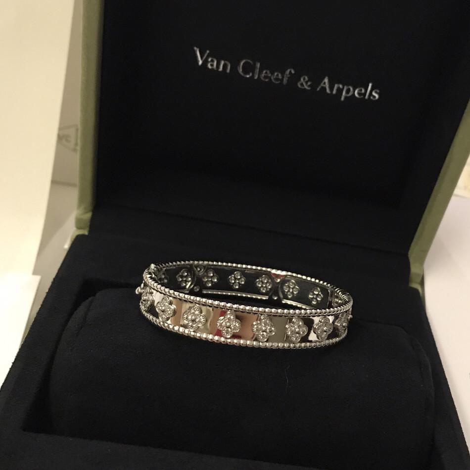 fake van cleef & arpels perlee clovers bracelet