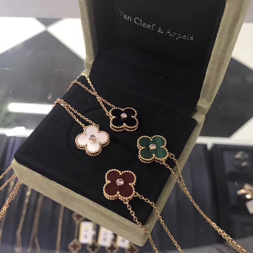 fake van cleef & arpels necklace