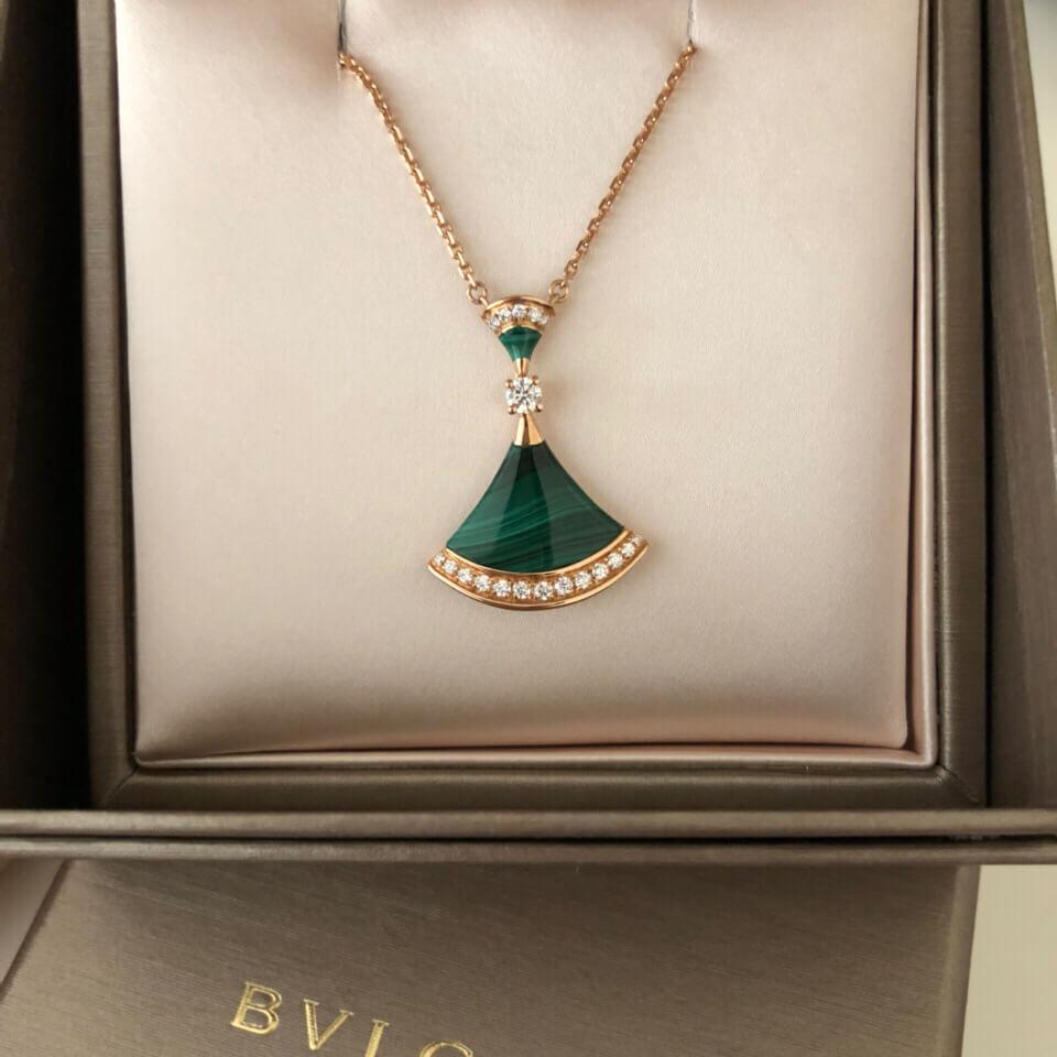 Fake bulgari necklace