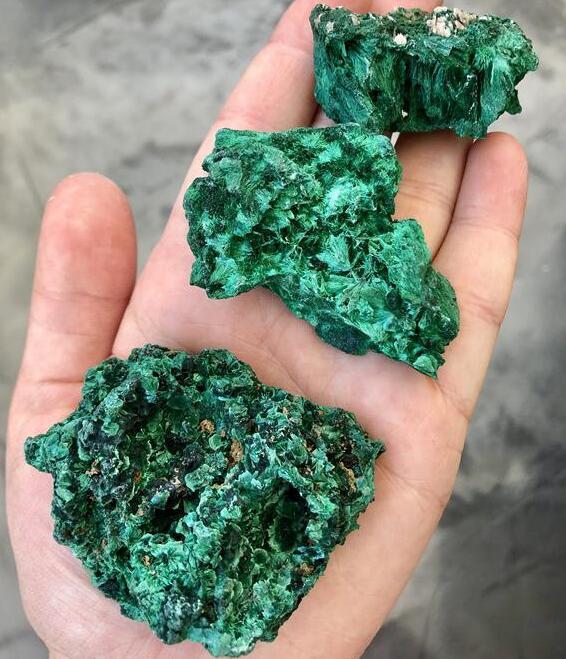 natural malachite stones wholesale price